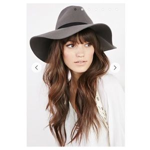 The Wide Brim Floppy hat